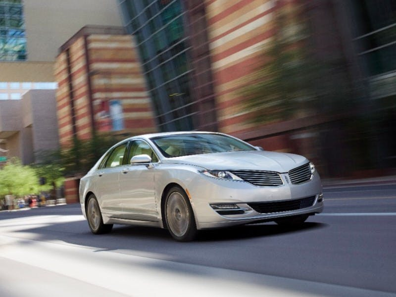 A Vehicle Offering 40 Mpg Combined Becomes Bit Trickier Especially In The Luxury Segment Lincoln Offers Formidable Contender With Mkz Hybrid