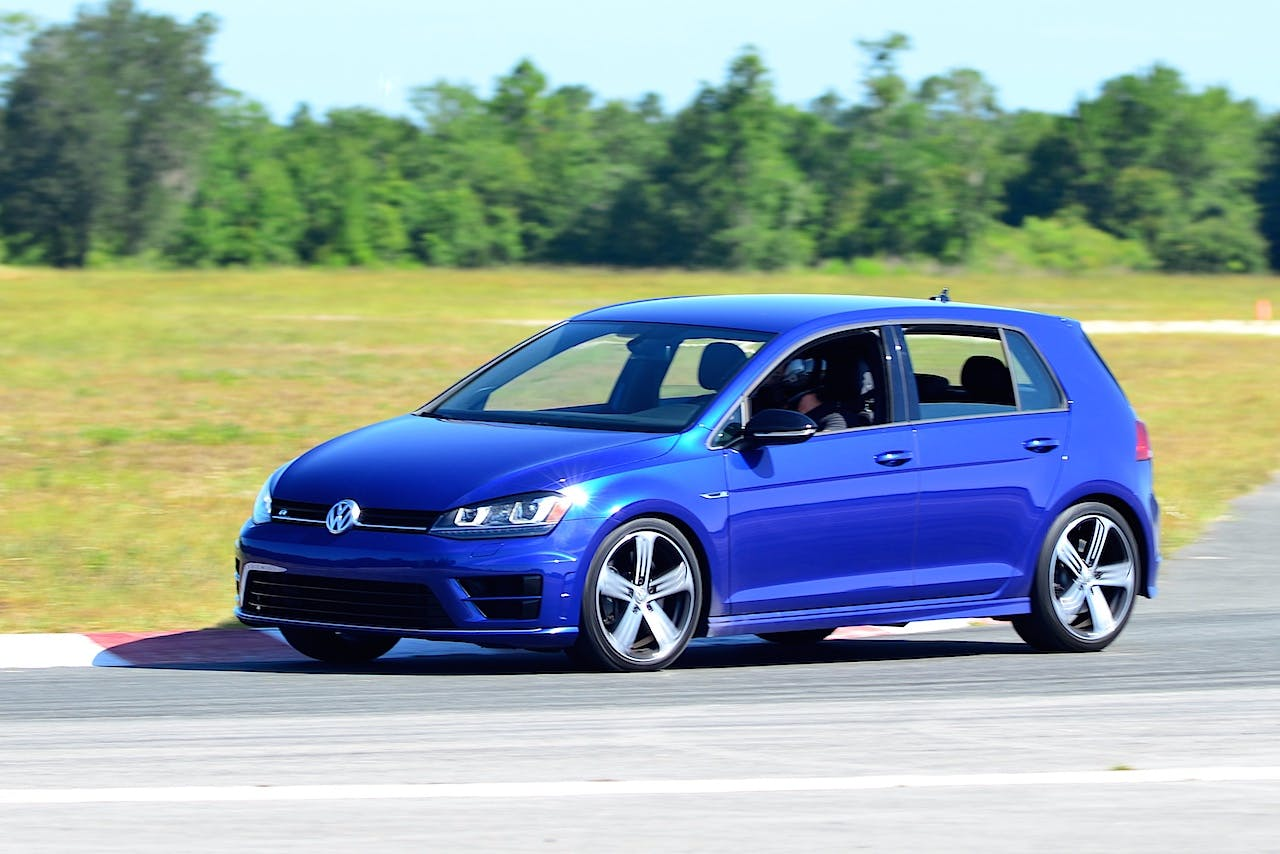 hot hatch fun 2016 volkswagen golf r track day carfax. Black Bedroom Furniture Sets. Home Design Ideas