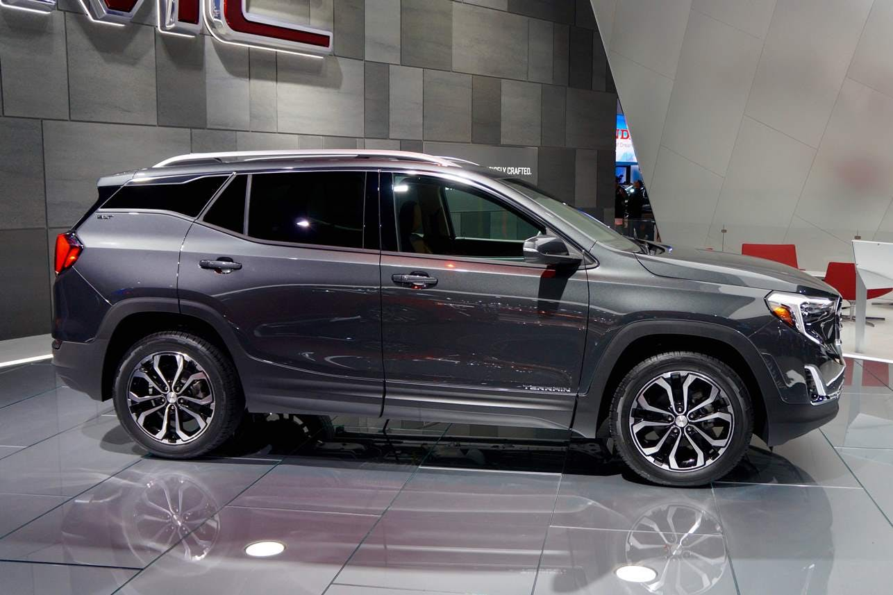 GMC Introduces Redesigned 2018 Terrain at Detroit Auto Show