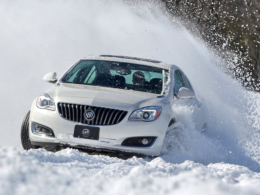 How Does All-Wheel Drive Work? | CARFAX