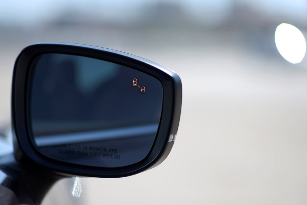 How Do Blind Spot Monitoring Systems Work?