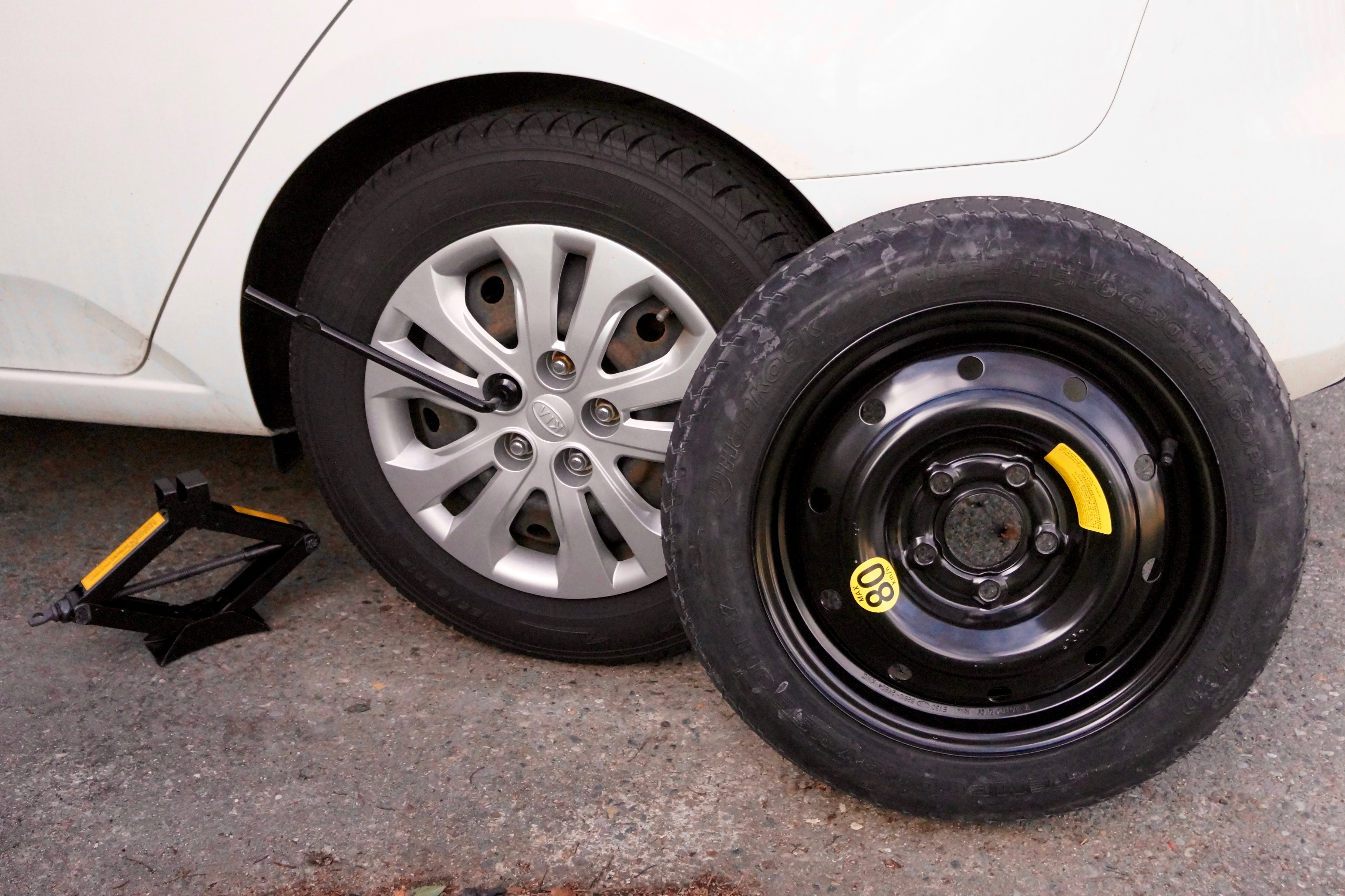 What Should I Do If I Get a Flat Tire?