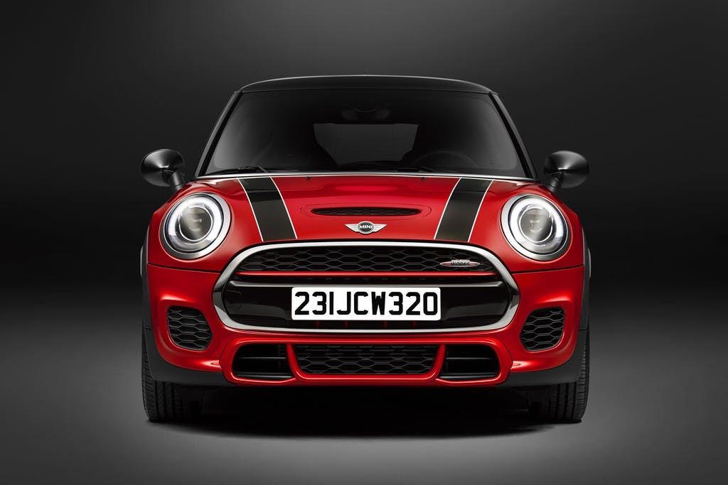 5 Reasons Why The Mini Cooper Is The Perfect City Car Carfax