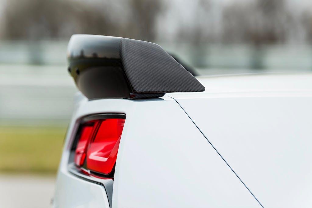 车尾上扰流板的作用是什么
