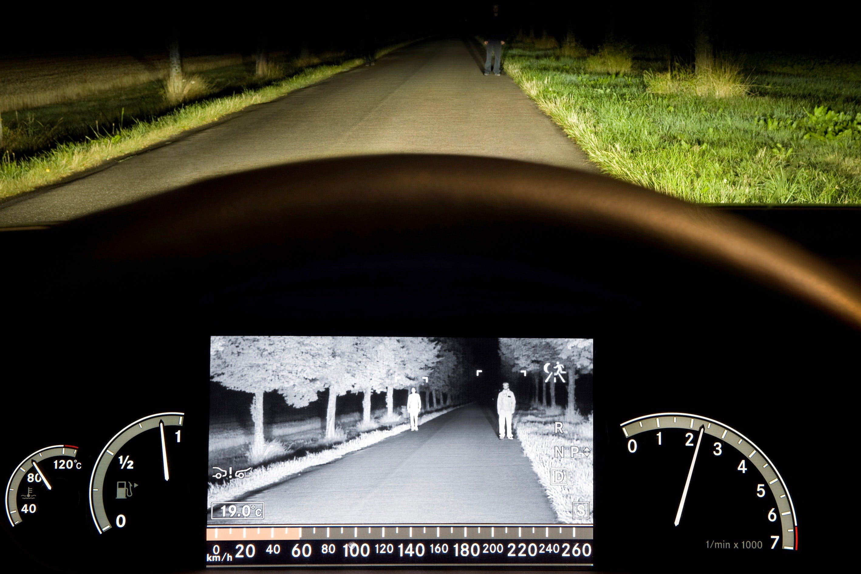 How Do Car Night Vision Systems Work?
