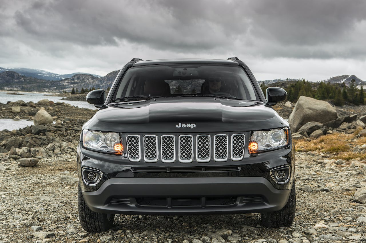 4 Accessories That Boost the Capability of Your Jeep Compass