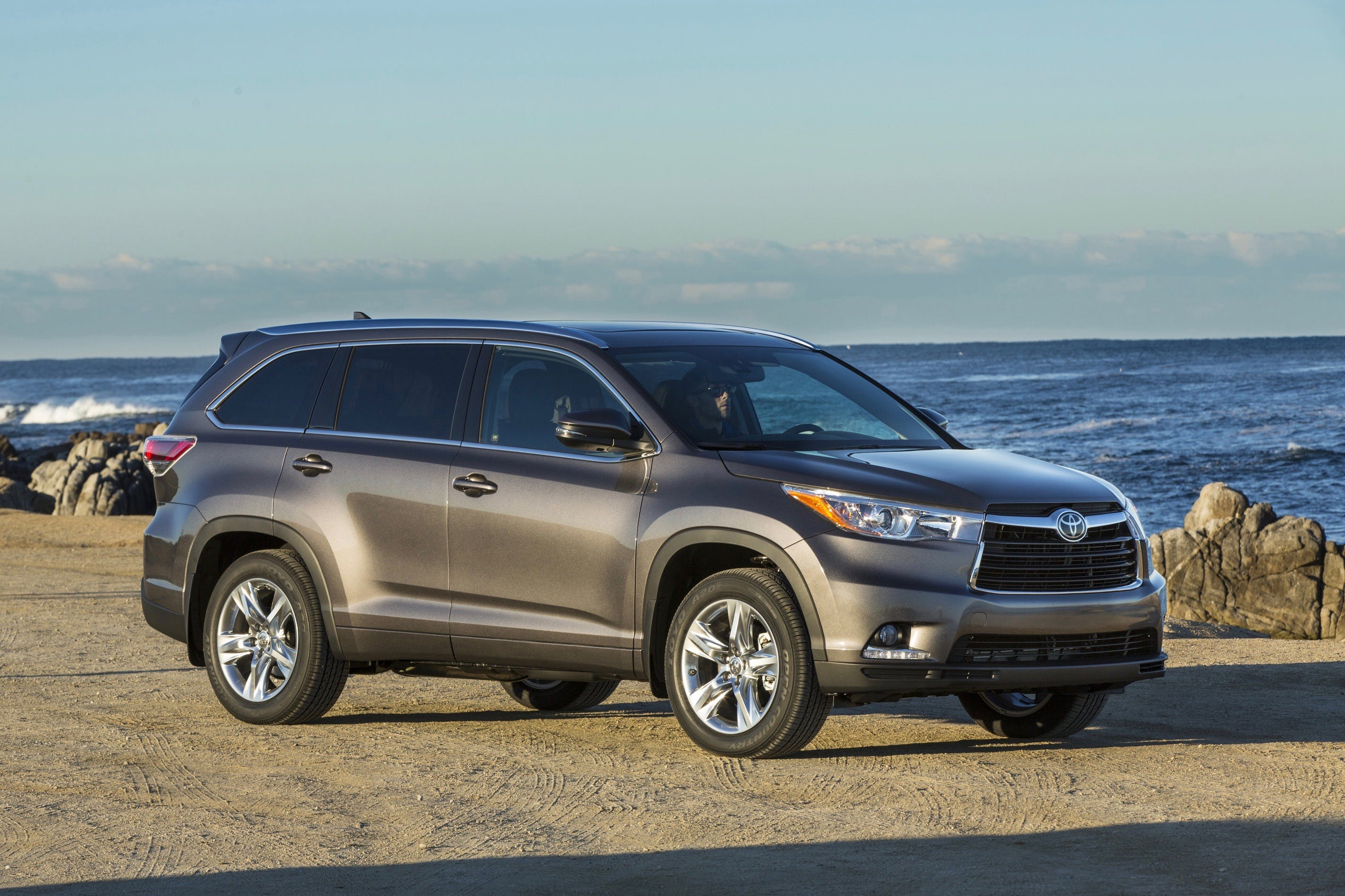 Getting Your 2011-2016 Toyota Highlander Ready for Its New Home