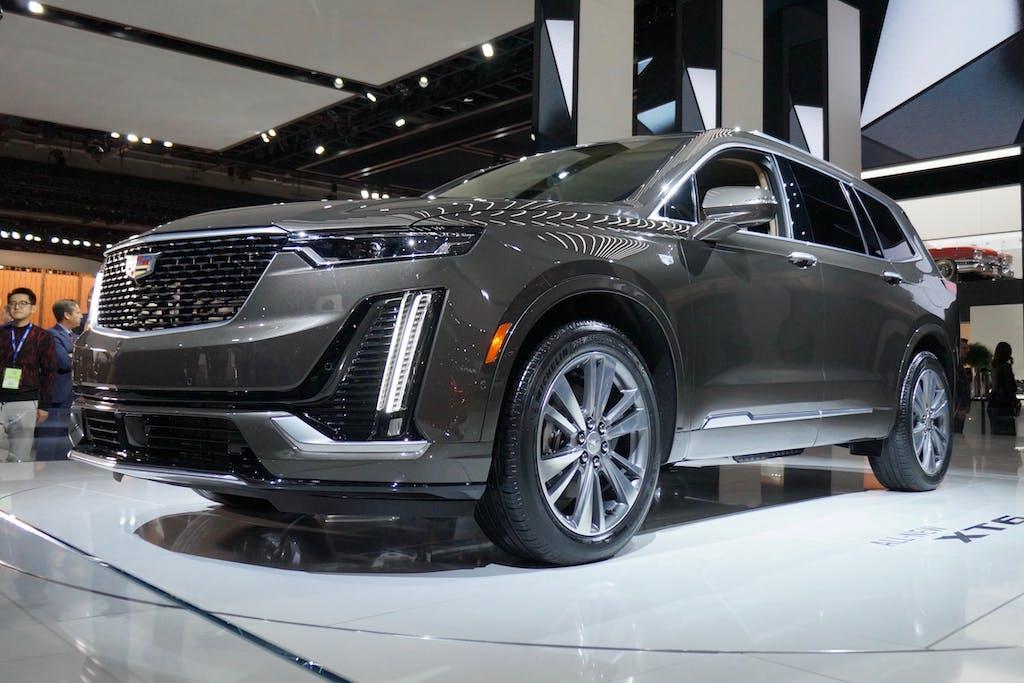 Cadillac Reveals Three Row Xt6 Crossover In Detroit Carfax