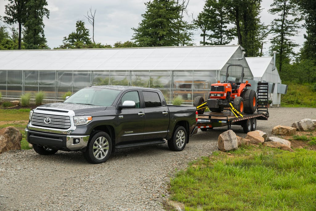Tundra Towing Capacity >> What Are The Toyota Tundra S Towing Features Carfax
