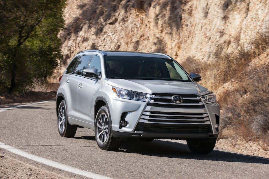 Toyota Highlander Front Quarter View