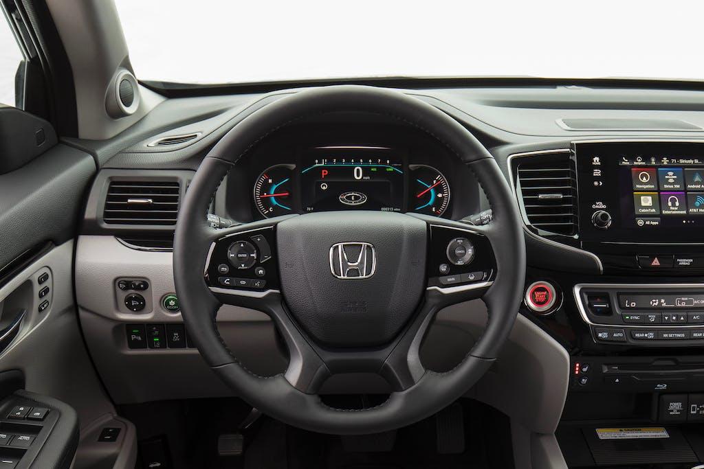 2019 Honda Pilot Elite Steering Wheel and Interior