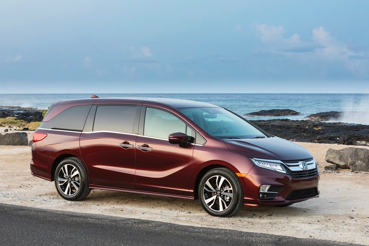 Should I Buy a Honda Odyssey or a Toyota Sienna?