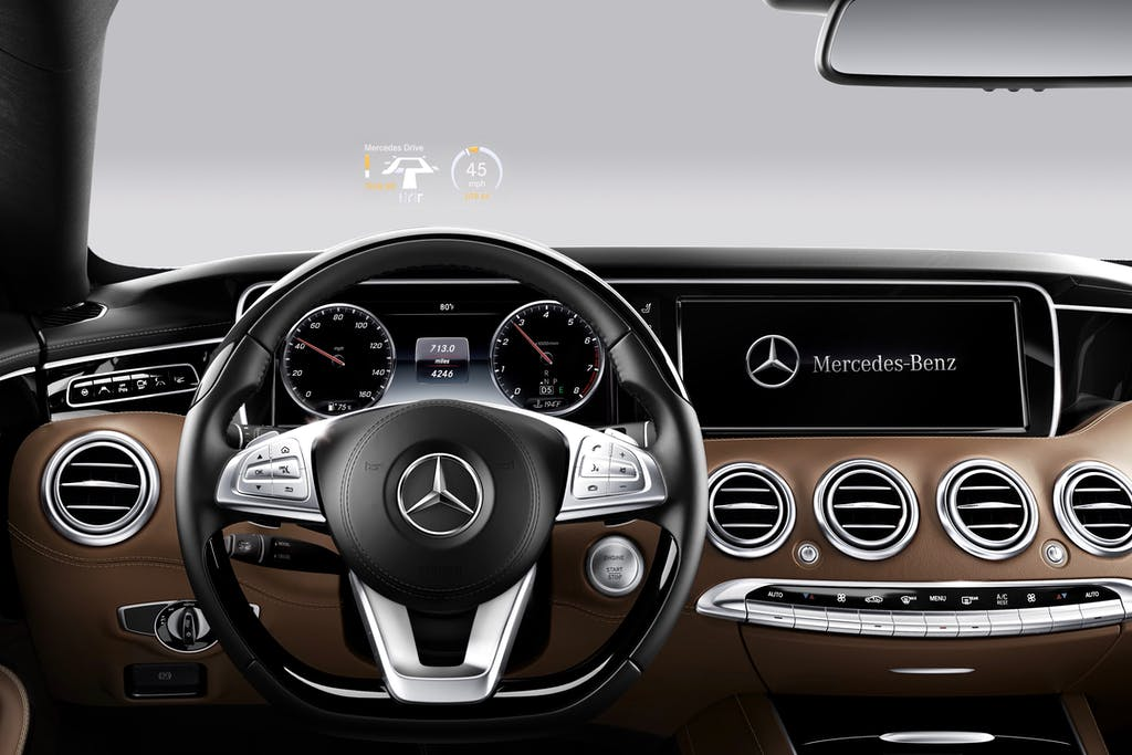 Interior of a Mercedes Benz with the Head-up Display