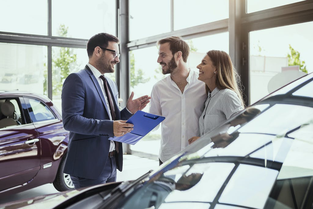 Questions To Ask When Buying A Car >> 10 Questions To Ask When Buying A Used Car Carfax