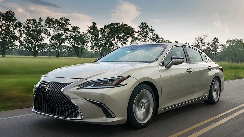 12 Best Luxury Cars for Gas Mileage in 2020 | CARFAX