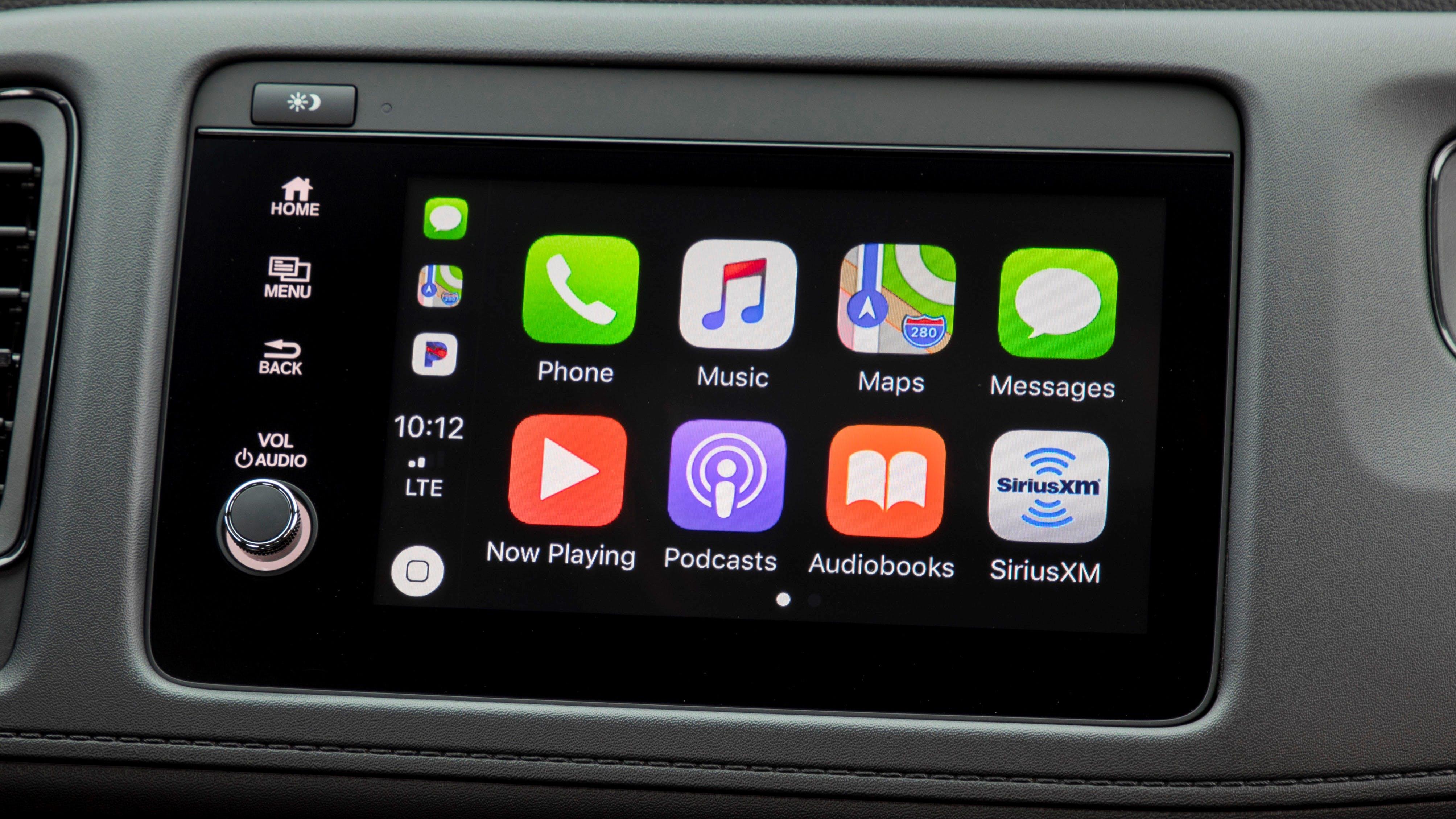 Apple CarPlay Home Screen in 2020 Honda HR-V